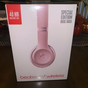 Beats by Dre solo 3 Wireless NWT rose gold